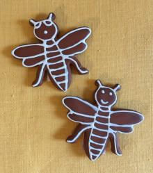 Keramický magnet včelka malá