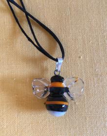 Přívěšek čmelák skleněný